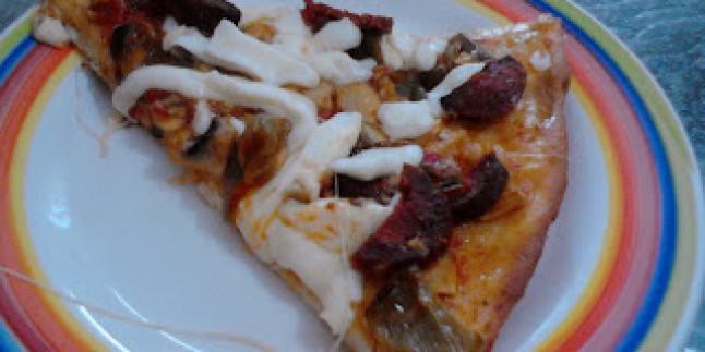 Mantarlı Sucuklu Pizza