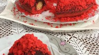 Kırmızı Köstebek Pasta