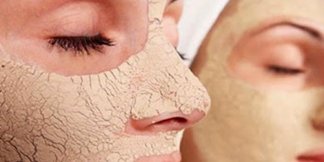 Porselen Gibi Cilt İçin Maya Maskesi